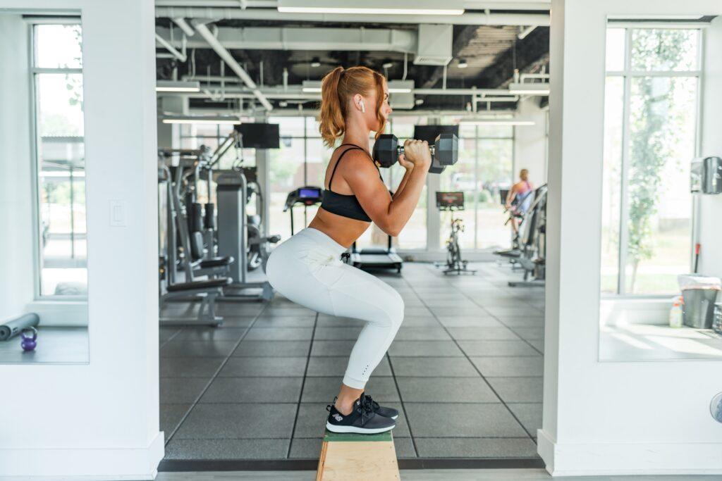 自宅で可能な大腿四頭筋のトレーニング